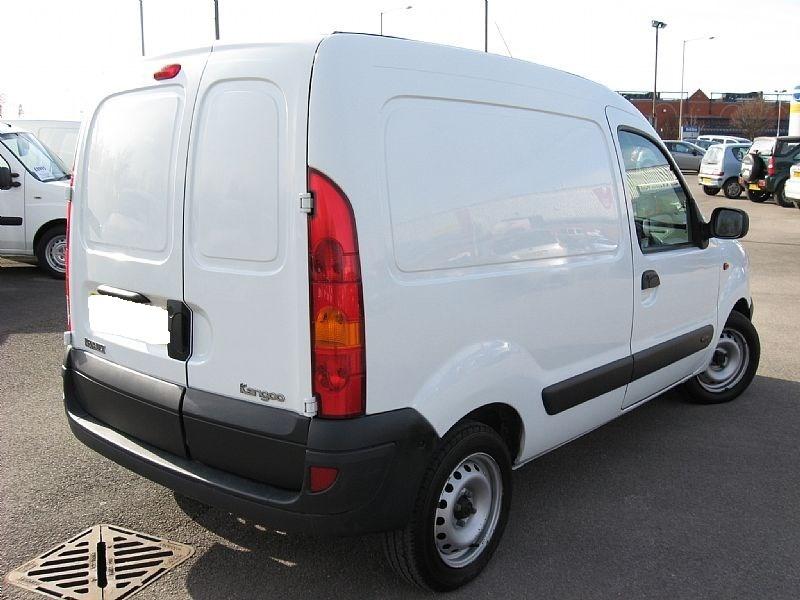 Dezmembrez Renault Kangoo 1.5 diesel 2005