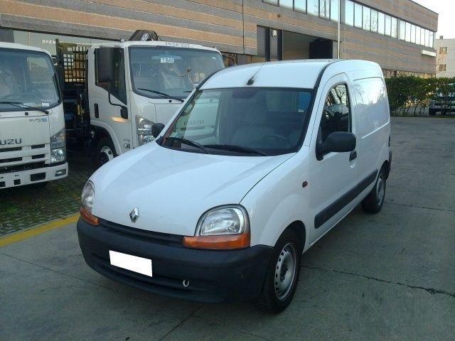 Dezmembrez Renault Kangoo 1.9 DCI 2002