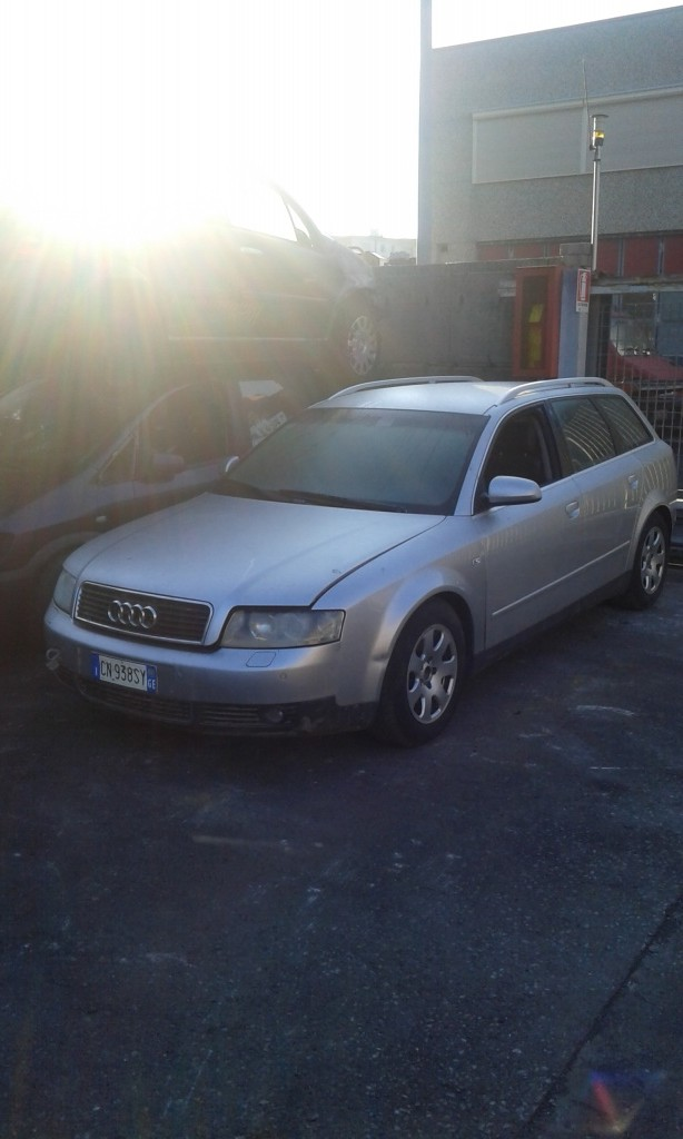Dezmembrez Audi A4 1.9 TDI din 2004