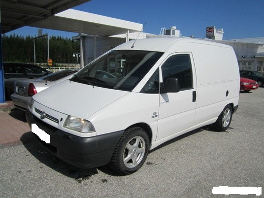 Dezmembrez Fiat Scudo 2.0 JTD din 2002