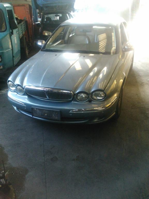 Dezmembrez jaguar x-type 2.2 D din 2004