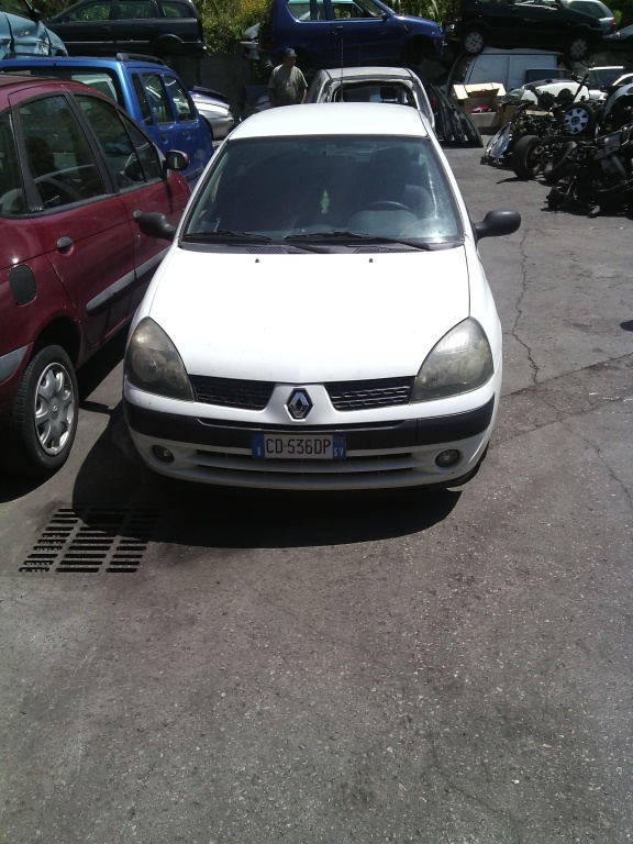 DEZMEMBREZ RENAULT CLIO 1.5 DCI DIN 2003
