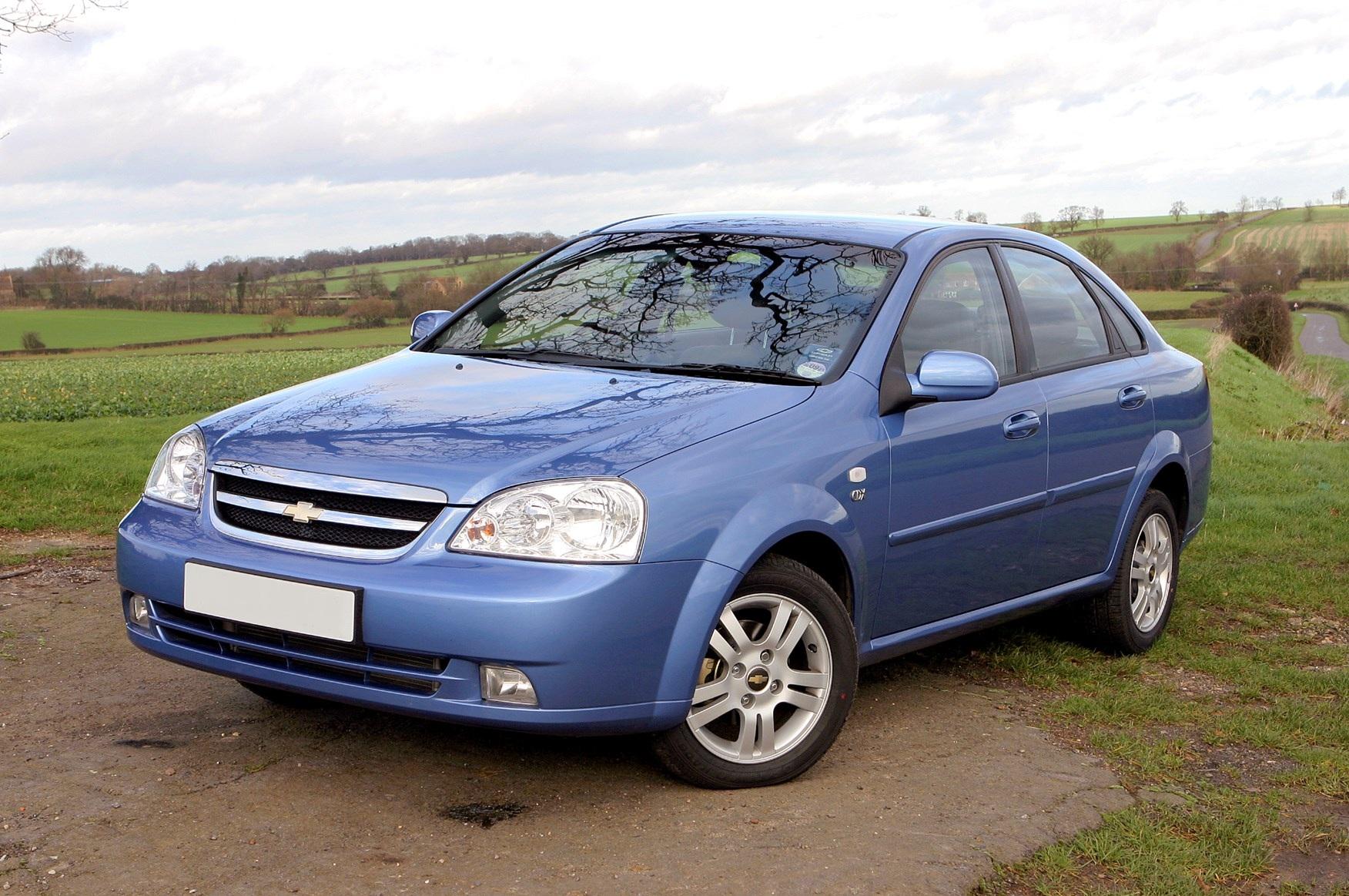 Dezmembrez Chevrolet Lacetti 1.6 b 2005