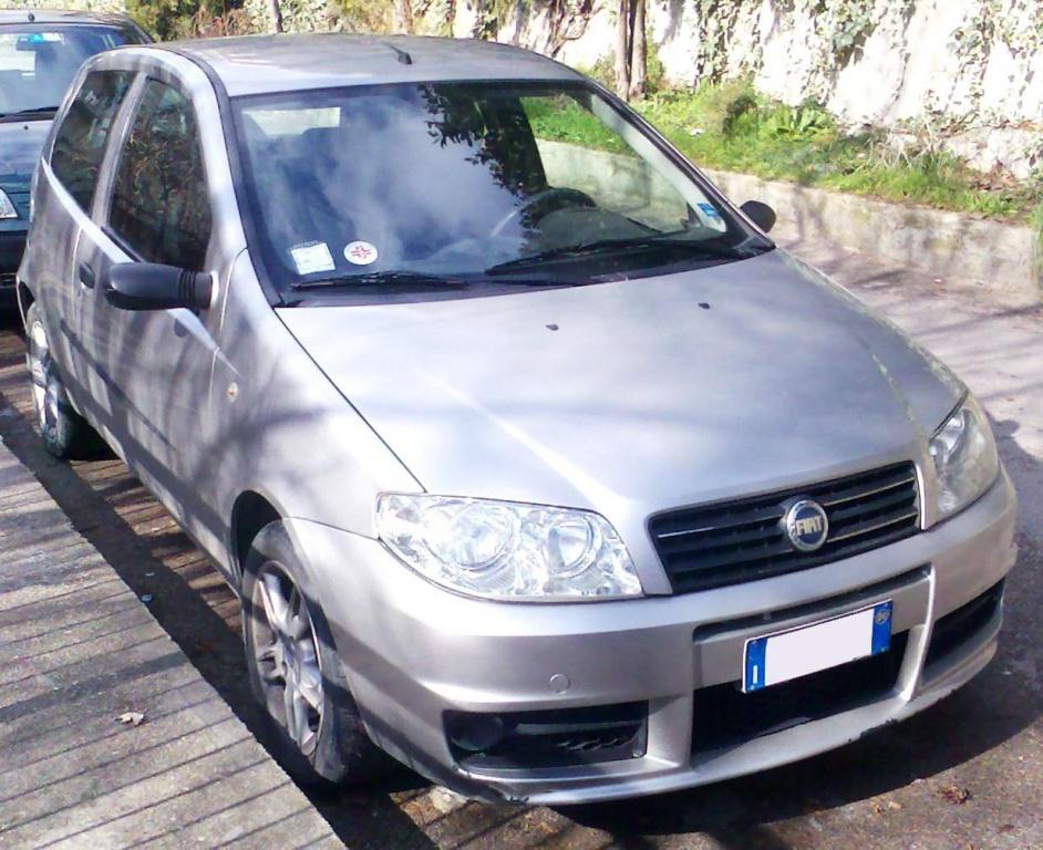 Dezmembrez Fiat Punto 1.2 b 2004