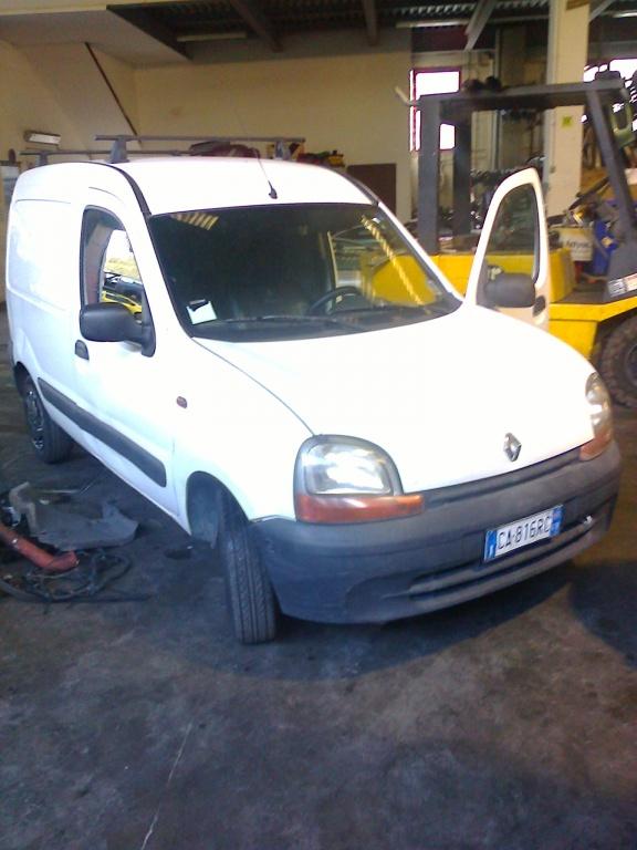 Dezmembrez Renault kangoo 1.5 DCI 2006