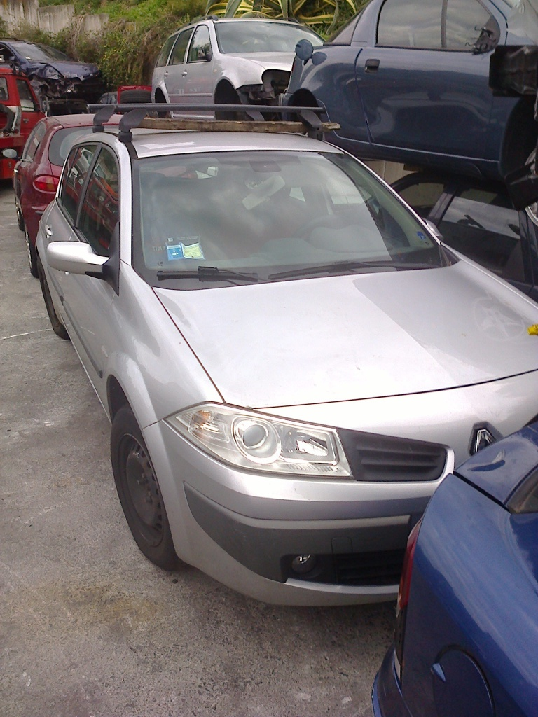 Dezmembrez Renault Megane 1.5 DCI 2005