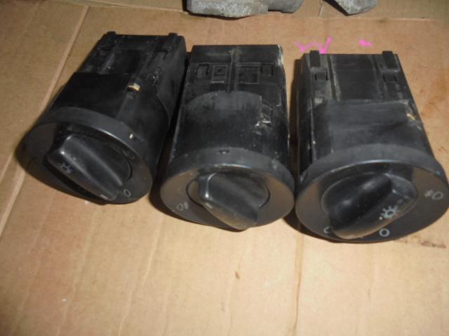 comutator faruri vw transporter an de fabricatie 2005 cod tc46q0941531b