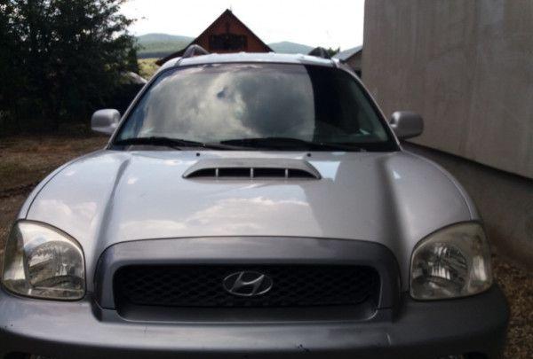 Dezmembrez Hyundai Santa Fe 2.2 CRDI 2004