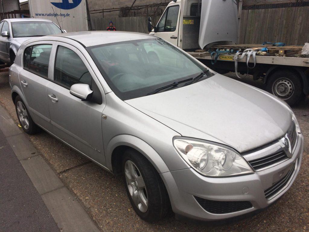 Dezmembrez Opel Astra H 1.7 CDTI 2007