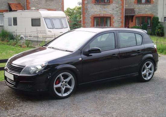 Dezmembrez Opel Astra H 1.7 CDTI 2009
