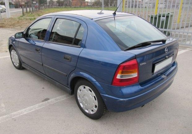 Dezmembrez Opel Astra G 1.4 b 2002