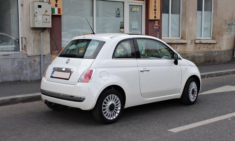 Dezmembrez Fiat 500 1.4 i 2010