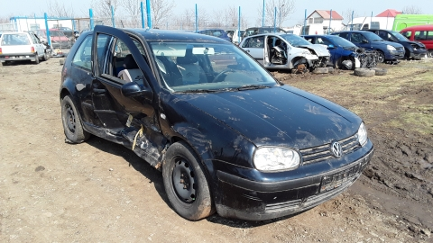 Dezmembrez Volkswagen Golf, an 2003, motorizare 1.4 16V, Benzina, kw 55