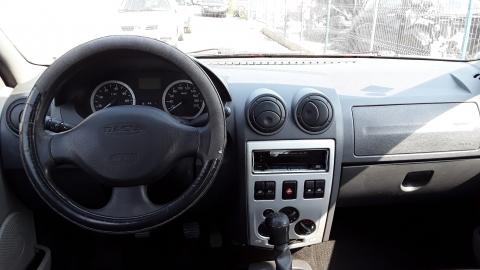 Dezmembrez Dacia Logan, an 2005, motorizare 1.5 DCI