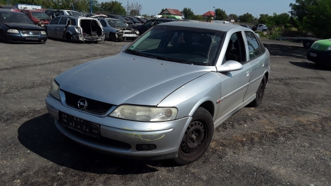 Dezmembrez Opel Vectra B, an 2001, motorizare 1.8 16v, Benzina, kw 92