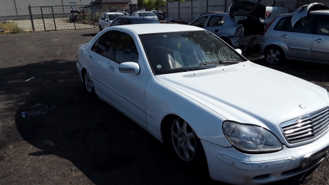 Dezmembrez Mercedes-Benz S-Class W220, an 2002, motorizare S 320 CDI