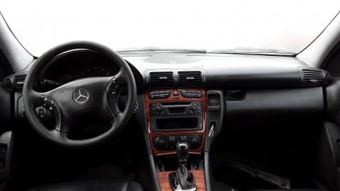 Dezmembrez Mercedes-Benz C-Class W203, an 2001, motorizare C 200