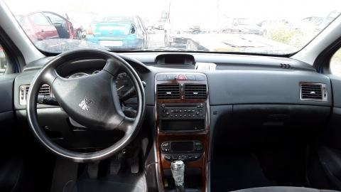 Dezmembrez Peugeot  307 ,an 2004 , motorizare 1.6 ,  Benzina , kw 81