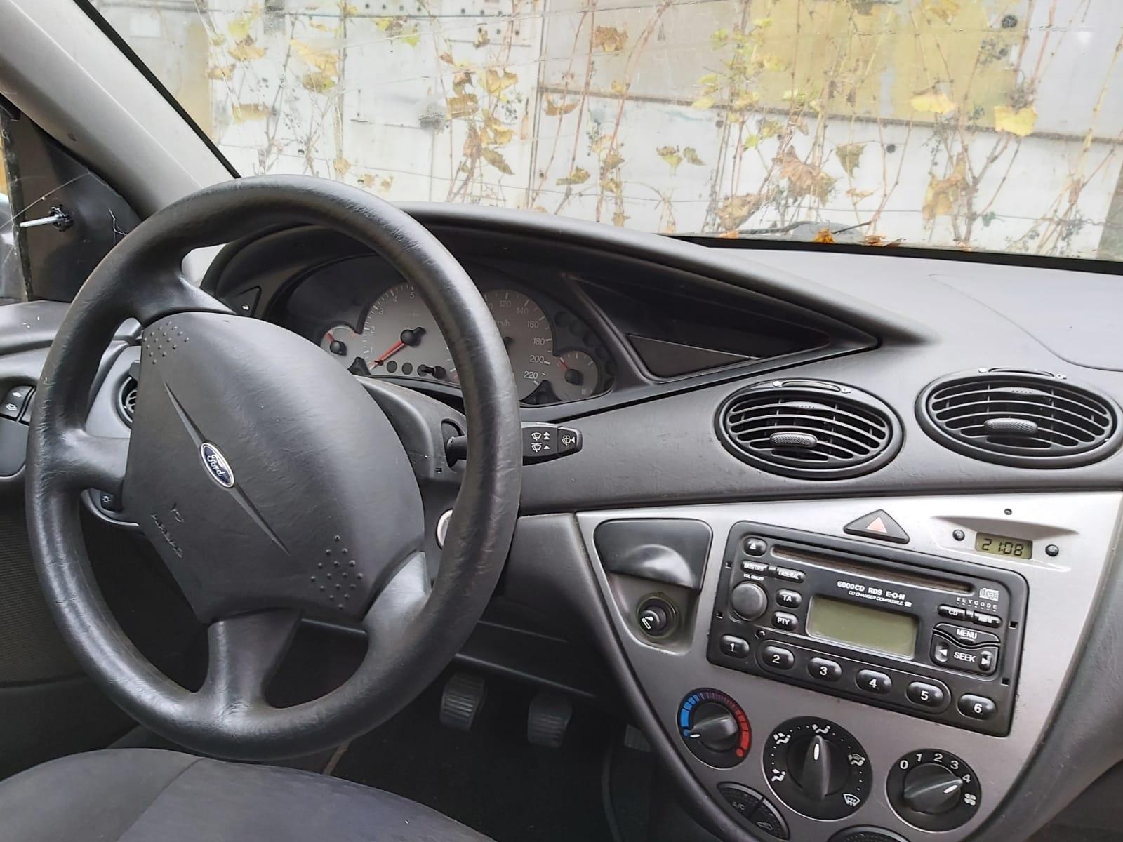 Dezmembrez Ford Focus MK1, an 2001, 1.4 benzina