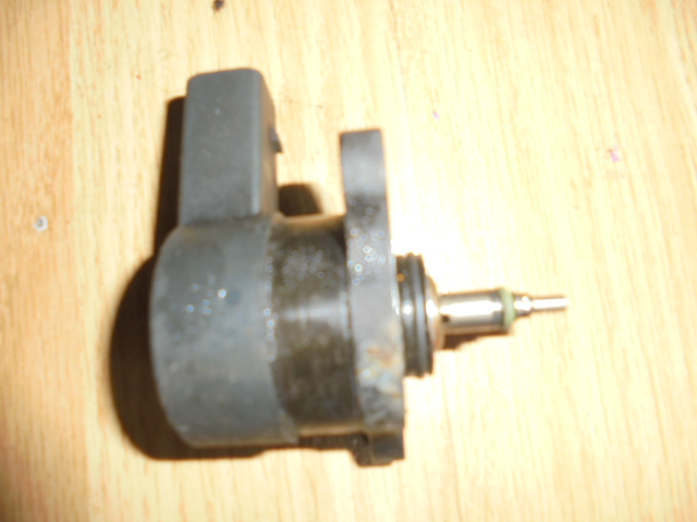 regulator presiune mercedes sprinter , cod 2281002698.