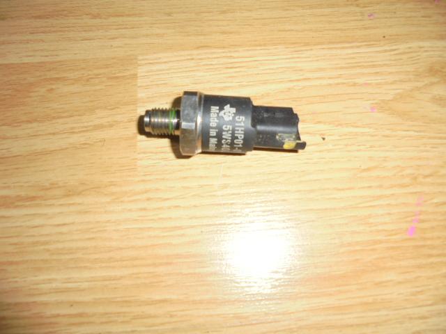 senzor presiune rampa injectoare ford fiesta 1.4 tdci cod 5W940006