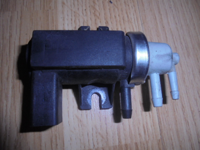 electrovalva volkswagen bora 1998-2005 cod 1J0906627B