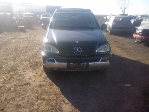 Dezmembrez Mercedes- Benz M-CLASS W163, an 2000, motorizare ML 270 CDI
