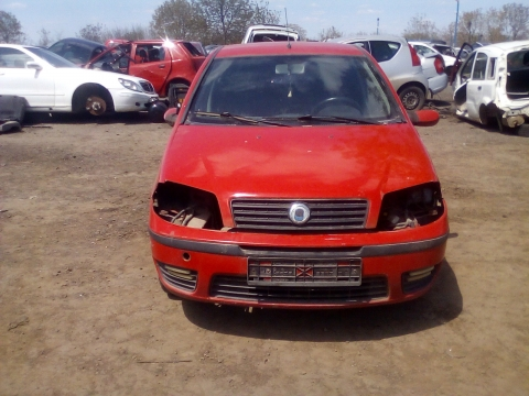 Dezmembrez Fiat Punto ,an 2007 , motorizare 1.6 ,  Benzina , kw 81
